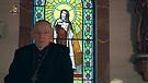 Monseñor Jean Marie hablando del amor al próji...