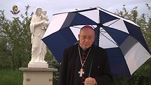 Desde los vergeles del Dominio de María en Wisconsin, EE.UU. Monseñor Jean Marie, snd les habla.